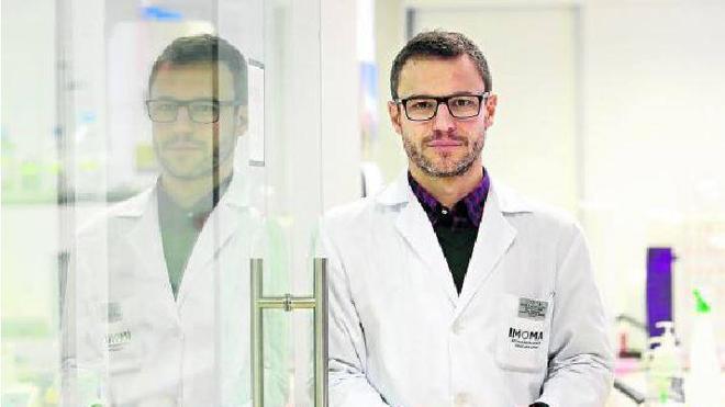 El científico vitoriano que busca freno al cáncer
