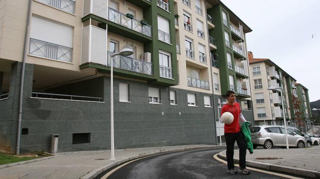 Lekeitio cede terreno al Gobierno vasco para retomar la construcción de 'minipisos'