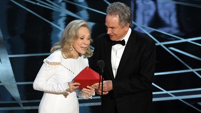 Faye Dunaway se siente «culpable» por el error de los Oscars