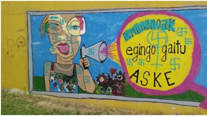 Desconocidos pintan esvásticas en murales de igualdad de Lemoa